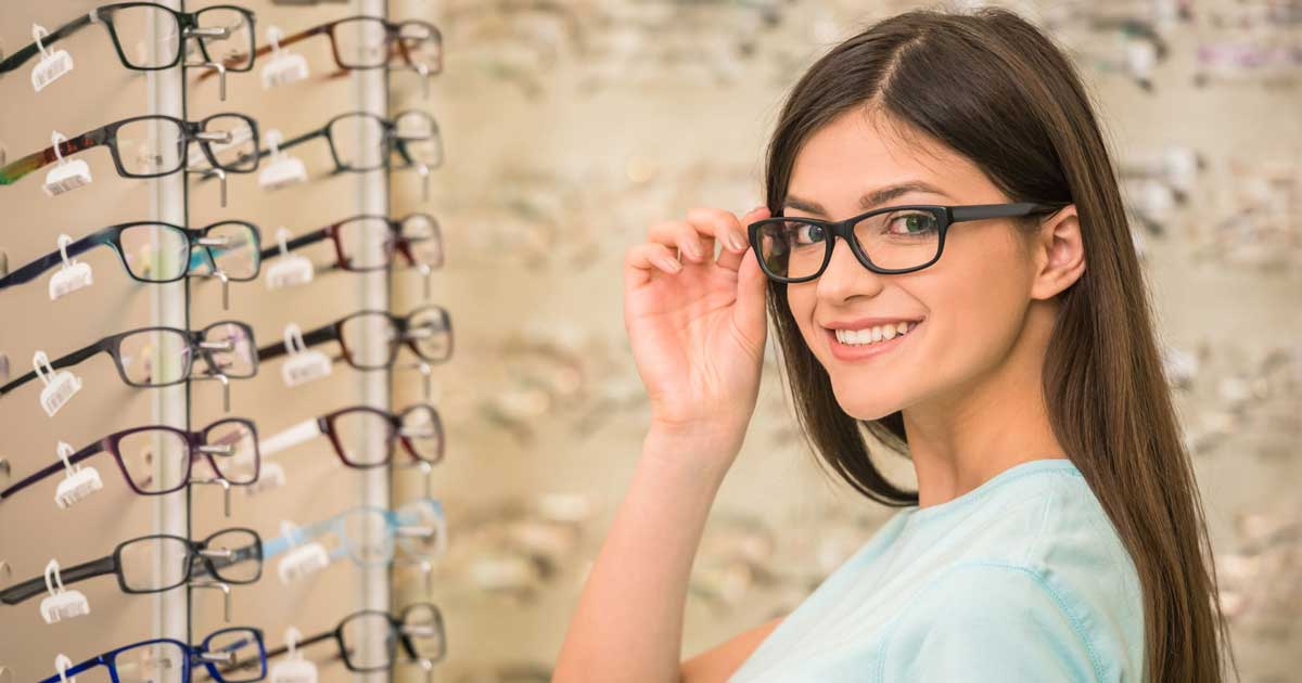 Consider Important Facts When Purchasing Designer Eyeglasses